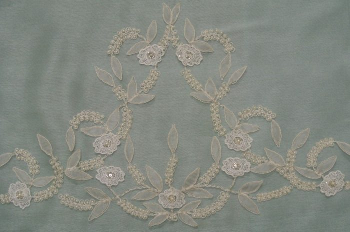 11361 veil cathedral length motif